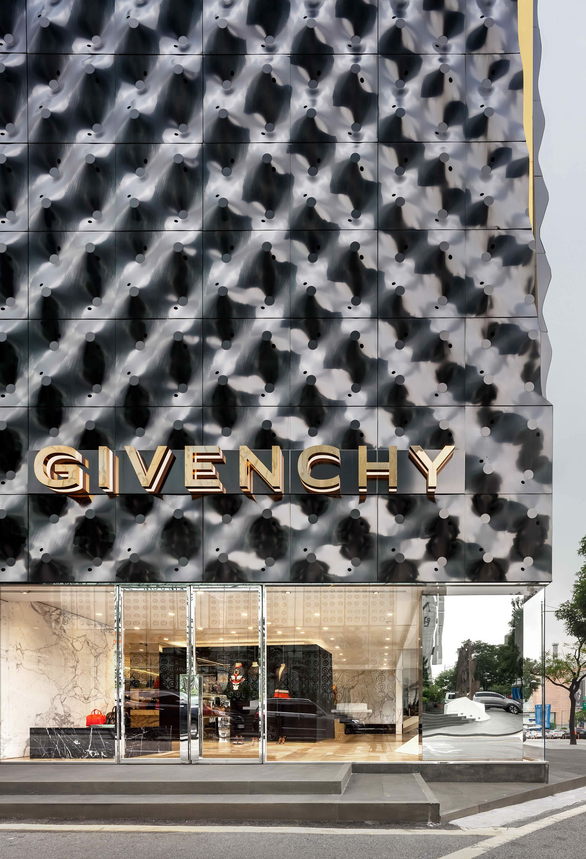 piuarch givenchy 03